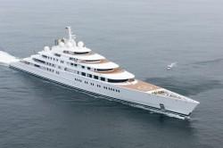 Längste Luxusyacht der Welt: Die Azzam bringt es auf 180 Meter